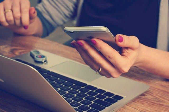 Ako nastaviť automatické odosielanie emailov
