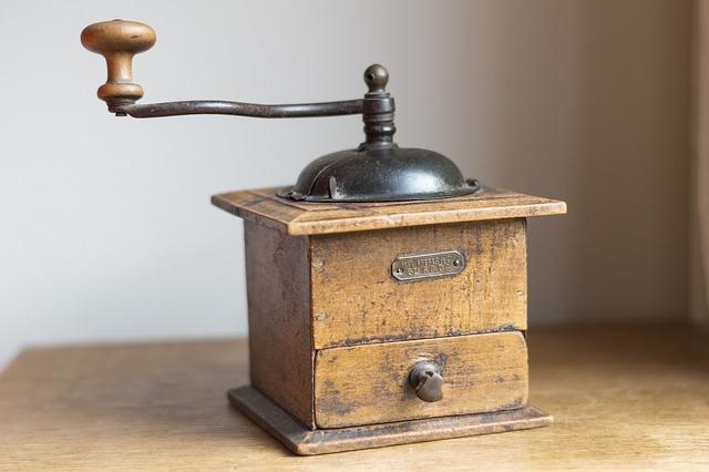 Starý, drevený mlynček.jpg