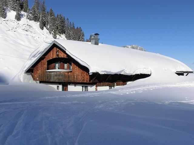 zasněžená chata